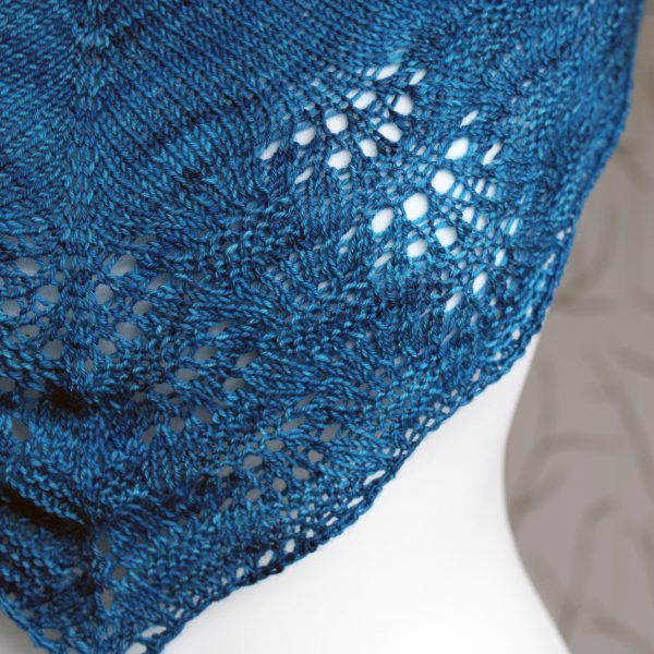 A close up on the rippling lace and textured border