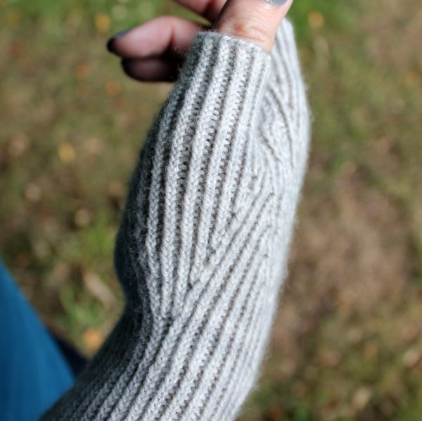 A close up on a twisted rib thumb gusset