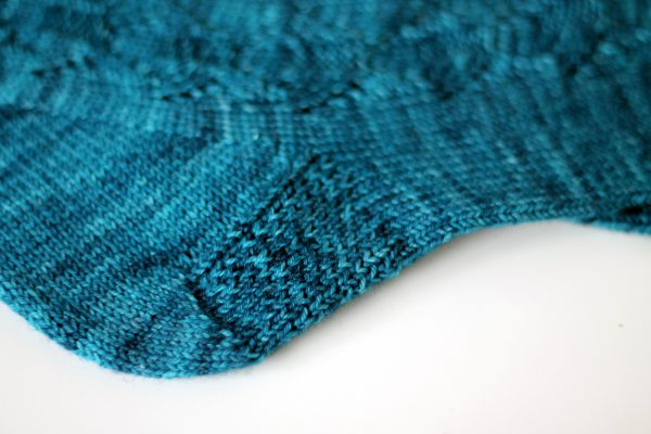 A close up on the slip stitch heel pattern