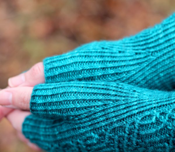 A close up on the twisted rib thumb gussets