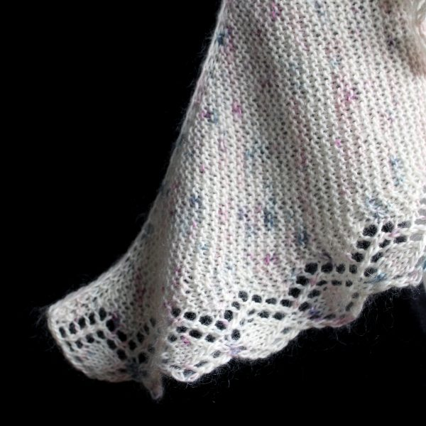A close up on the cast on, set up and diamond lace pattern of Cranachan