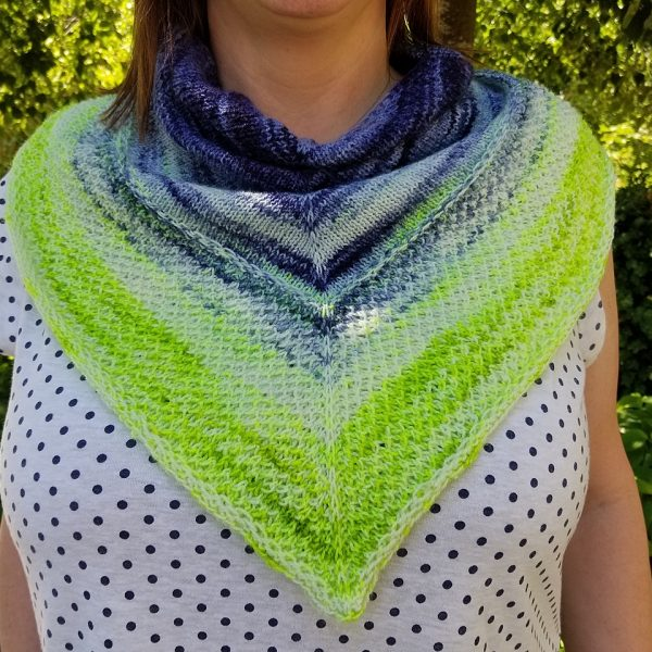 Sunshineadw knit her Mealach in Lady Llama Fiber Co Lark in Will O' the Wisp. She added a few extra repeats of the brioche to use up more of her gradient!