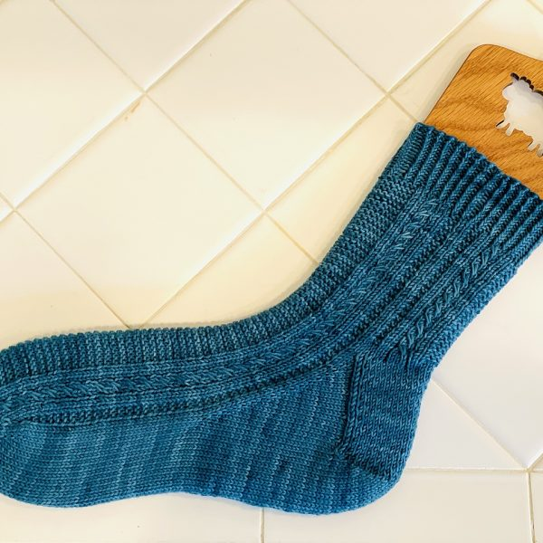 Nicole knit her Tìorail in the medium size