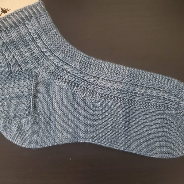 Shanelle knit her large Tìorial in Madelinetosh Twist Light in Well Water
