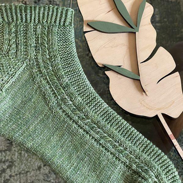 Sylvia knit her XL Tìorail in Crooked Kitchen